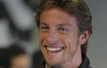 """""""Neboj, zlato, nikdo tě nevidí!"""" Něco takového určitě tvrdil bývalý závodník formule 1 Jenson Button (37) své modelce Brittny Ward (27), když lezla z vody »nahoře bez« a chtěla, aby ji zahalil ručníkem."""