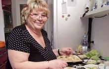 PROSTŘENO: Masové výpečky, bramborové špalíčky, zelí podle Soni Čapkové