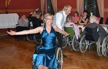 Bojovnice Jaroslava (48): Ochrnula, umřel jí syn (+24) a ona teď tančí na vozíku!