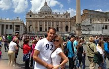 To byste nečekali! Blondýna Ochotská v Římě studuje historii a architekturu!