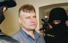 Bolest vězně Kajínka: Jeho přítelkyni zabili, zamotali do prostěradla a hodili do sklepa!
