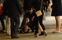 John Travolta hodinu po půlnoci: Synkem vytírá pražskou dlažbu!