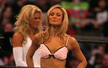 Po rozchodu s Clooneym se krásná Stacy vrací do ringu!