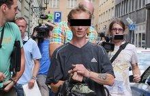 Policie už zná rodiče dívky (2) nalezené na Václavské náměstí: Otec v poutech, matka ve vazbě!