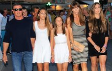 Sylvester Stallone (67) vyvedl ve Francii svůj »harém«