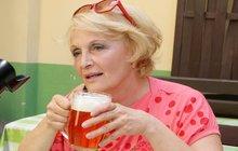 Regina Rázlová: Důchodci nemají žádné cíle, musí přežít!