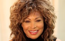Rocková babička Tina Turner (74) prodělala mrtvici!
