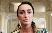 Zklamanou porotkyni X Factoru Sklovskou nenechali na Slovensku zpívat!