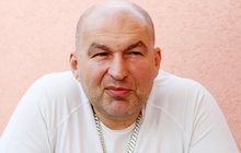 Zadlužený milionář Lou Fanánek Hagen: Neuvěříte, kdo mu v nouzi pomohl!