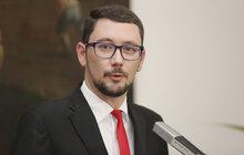 Cenzurováno! Zemanův mluvčí Jiří Ovčáček (36) přišel o porno!