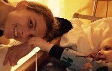 Modelka se modlí, aby synek žil: Rakovina podruhé udeřila!