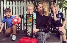 Kráska Eva Herzigová a její tři kluci! Topmodelka konečně ukázala své syny