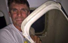 Cestující v šoku: Letoun se rozpadl při přistání!