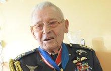 Stoletý válečný veterán Imrich Gablech slaví a vzpomíná: Za kniplem jsem omdlel!