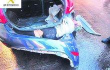 Děsivý nález policistů! Migranti »vynalézají« neuvěřitelné pašerácké schránky...