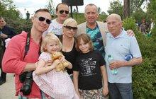 Ženáč Voříšek v ZOO: Ukázal celou svoji rodinu!