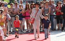 Manželka Ivana Trojana vzala děti na červený koberec!