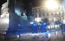 Feťačka na soše sv. Václava!