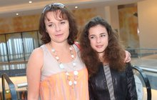Pyšná Máma Munzarová: Dceru si bedlivě hlídá!