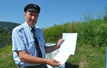 Úředníci šikanují živnostníka! Na přívozu nesmí vydělávat!