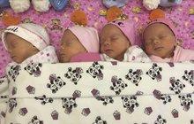 Sestřičky jsou vzácná jednovaječná čtyřčata! Podívejte, jak spinkají!