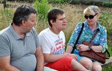 Dana Koryčanská (52) vychovává mentálně postiženého syna: Vítek je autista a péče o něj je zápřah na 24 hodin denně!