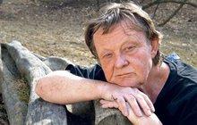 To je smůla! Písničkáře Vladimíra Mertu (71) si vyčíhli zlodějíčci a vykradli mu studio. Škoda stoupá až do statisíců…