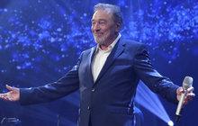 Gott (77) zazpíval v Lucerně: Po koncertu skončil v nemocnici!