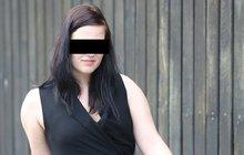 Otčím Evu sexuálně zneužíval devět let: Sama se podřezala!