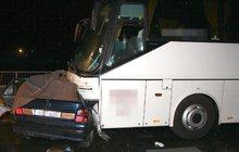 Autobus s důchodci sešrotoval felicii: 4 mrtví Ukrajinci!