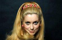Ťukněte si s celebritou! Herečka Catherine Deneuve slaví 73!