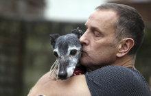 Páníček se s mazlíčkem rozloučil ve velkém stylu: Pes Walnut odešel jako celebrita!
