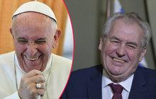 Papež zatlačil a...  Zeman dal milost zdravé podvodnici!