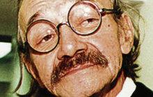 Josef Kemr (†72) byl velice zábavným a pobožným hercem. Jednou když se vydal na Malou Stranu od herečky Jiráskové a režiséra Podskalského byl svědkem šokujícího aktu…
