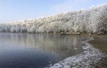 Arktický mráz zasáhl Česko: Zítra ještě přituhne, až na – 20 °C!