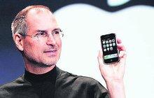 iPhone slaví: 10 let volání s jablkem!