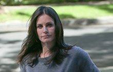 Z manželství s Davidem Arquettem (45) má představitelka Moniky z kultovního seriálu Přátelé dceru Coco (13).