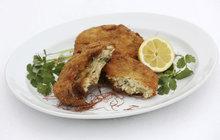 Ryby jsou zdravé, o tom není pochyb. Jak je ale naučit jíst všechny členy rodiny? Zkuste recept šéfkuchaře Aha! pro ženy Michala, který se opět inspiroval jídly z Velké Británie. S jemnou směsí dvou druhů ryb a brambor, výraznou vůní koriandru a křupavým trojobalem určitě zabodujete. Jako příloha se hodí bramborová kaše.