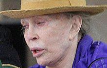 Čas nezastavíš ani spomocí plastického chirurga. O tom se přesvědčila i legendární herečka, která byla sexsymbolem 60. let. Poznáte, o kterou slavnou ženu se jedná?