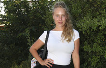 Nadmíru vyvinutá Aneta Krejčíková (25) alias Gábina Pumrová z nekonečného seriálu Ulice se v muzikálu Sugar promění v božskou Marilyn Monroe (†36). A bude svádět záletného Martina Písaříka (37)!