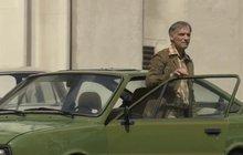 Sto aut a mezi nimi staré škodovky, které si zahrály v seriálu Svět pod hlavou, jsou od počátku dubna k vidění v novém muzeu veteránů v Litvínově.