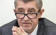 Asi nejočekávanější dopis v Česku přistál v pátek na stole předsedovi Poslanecké sněmovny Janu Hamáčkovi (38, ČSSD). Poslal ho ministr financí Andrej Babiš (62, ANO), který v něm vysvětluje svých 7 »hříchů« z podnikání. Nejde o smilstvo či obžerství, ale přesto pro jeho kariéru politika mohou být smrtelné...