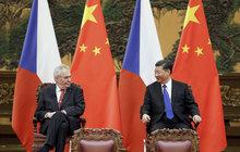 Zeman čínskému prezidentovi: Váš alkohol mi nechutná!