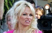 Ač na začátku července oslavila padesátiny, Pamela Anderson se dál může chlubit tělem bohyně.