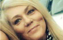 Podruhé se narodila a za život vděčí svému mobilu. Lisu Bridgett (45), která byla zraněna při pondělním atentátu v manchesterské aréně, zachránilo život telefonování. Mobil zbrzdil matici, která na ni z bomby letěla. Velšanka ale i tak utrpěla těžká zranění.