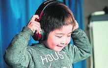 Icuki Morita (6) sotva začal chodit do školy, ale už je světovým rekordmanem, neboť ho do Guinnessovy knihy zapsali jako nejmladšího DJ.