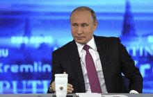 Putin nabídl azyl exšéfovi FBI!