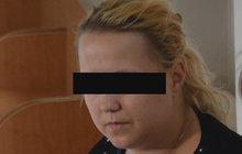 Zabila dcerku: Novorozeně strčila v kufru do skříně!