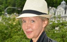 Co nevidět vtrhne na obrazovky ČT nový seriál Trapný padesátky z pera spisovatelky Ireny Obermannové (55). Jde o příběhy z jejího života? Psala je na tělo konkrétním herečkám? I na to odpověděla v rozhovoru pro Magazín Aha! TV.