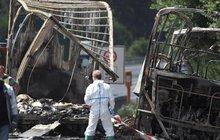 Na bavorské dálnici vzplál autobus: Osmnáct seniorů uhořelo!